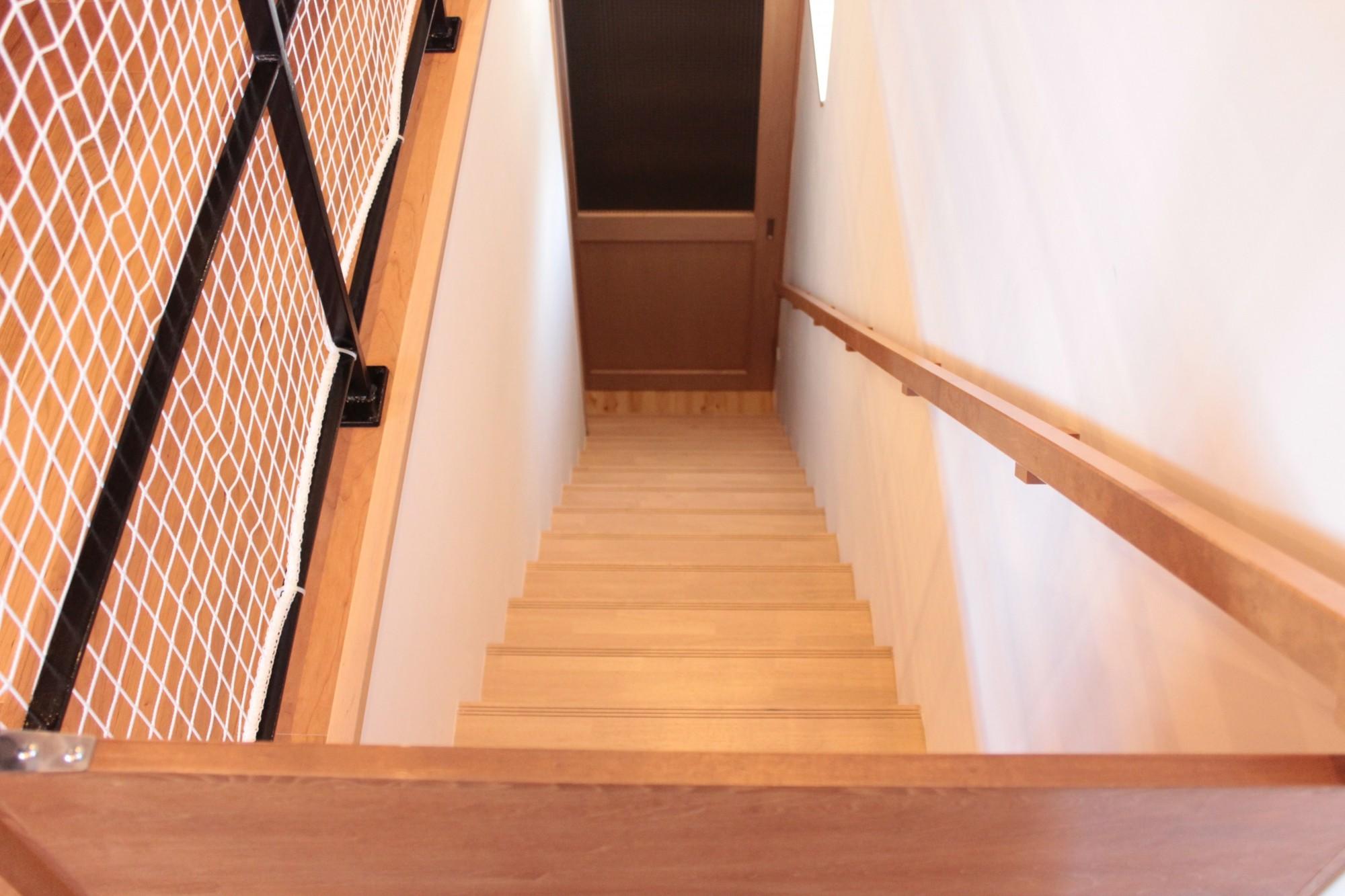 その他事例:階段(和の素材感をモダンにアレンジした新築住宅)