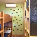 DK STYLE すくすくリノベーションvol.7の写真 子供室の黒板壁とボルダリング壁