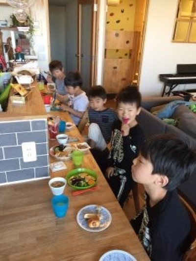 おともだちと賑やかな食事 (DK STYLE すくすくリノベーションvol.7)