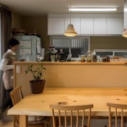 光と自然素材が心地の良い家