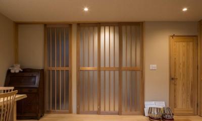 光と自然素材が心地の良い家 (建具)