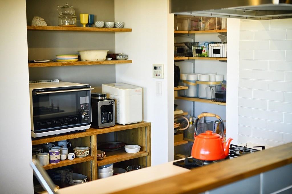 キッチン事例:家電収納(回遊できるおうちで気ままなニャンライフ)
