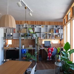 建築家 森本敦志建築設計事務所の住宅事例「セルフビルドのSOHO」