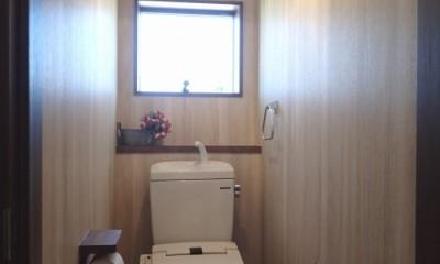 落ち着きのあるレトロモダン (トイレ)