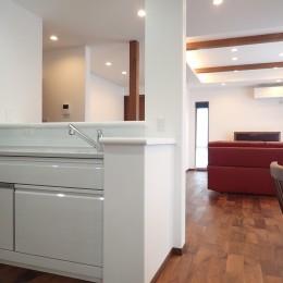 キッチン (高級感漂う大空間でゆったり過ごす家)