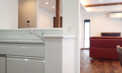 高級感漂う大空間でゆったり過ごす家 (キッチン)