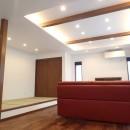 高級感漂う大空間でゆったり過ごす家の写真 リビング~畳コーナー①