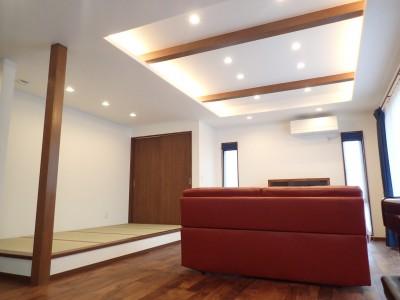 高級感漂う大空間でゆったり過ごす家 (リビング~畳コーナー①)