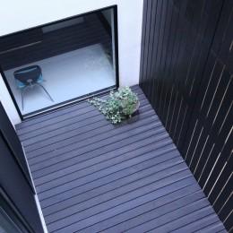 中庭のある家 OUCHI-04 (中庭見下ろし)
