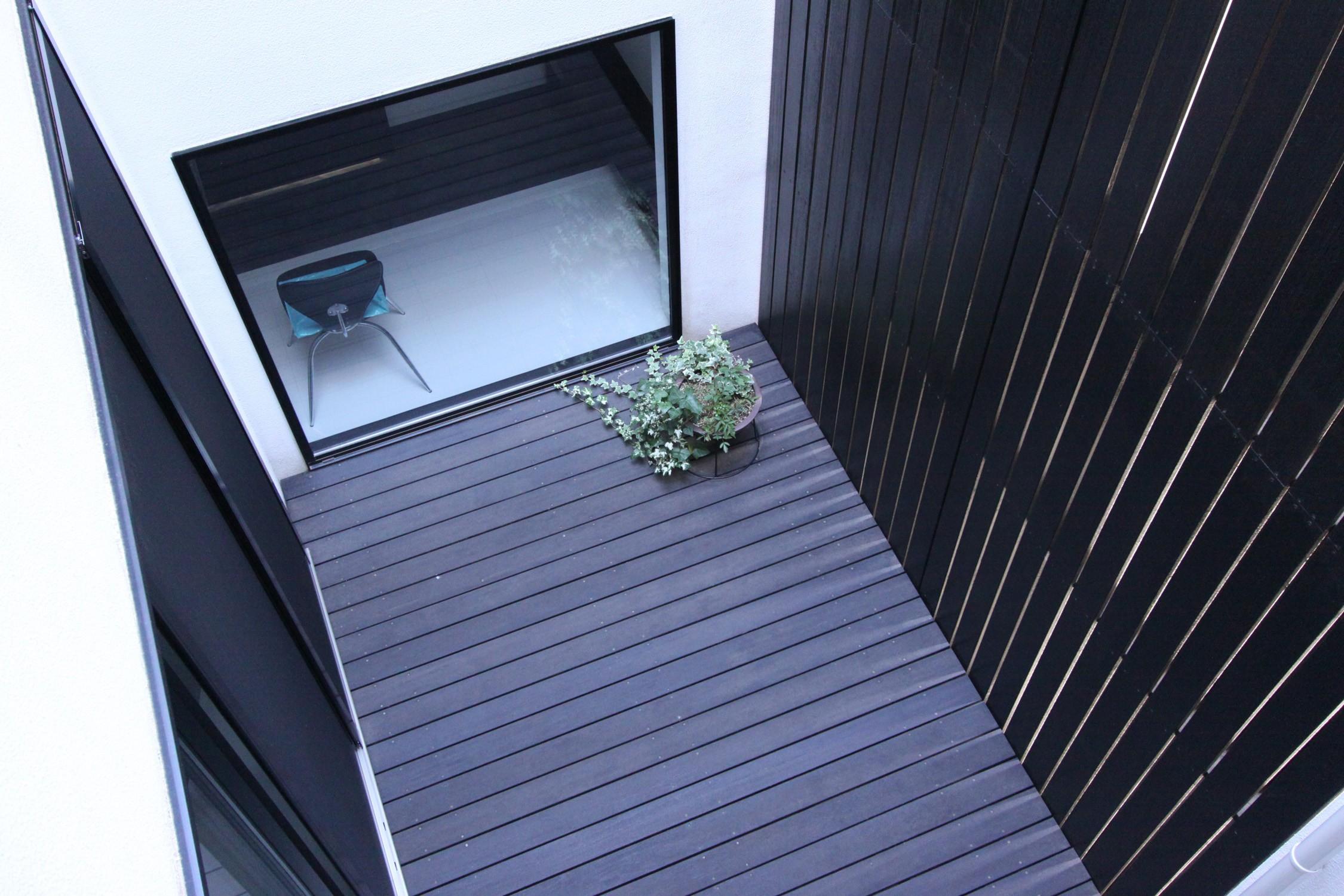 アウトドア事例:中庭見下ろし(中庭のある家 OUCHI-04)