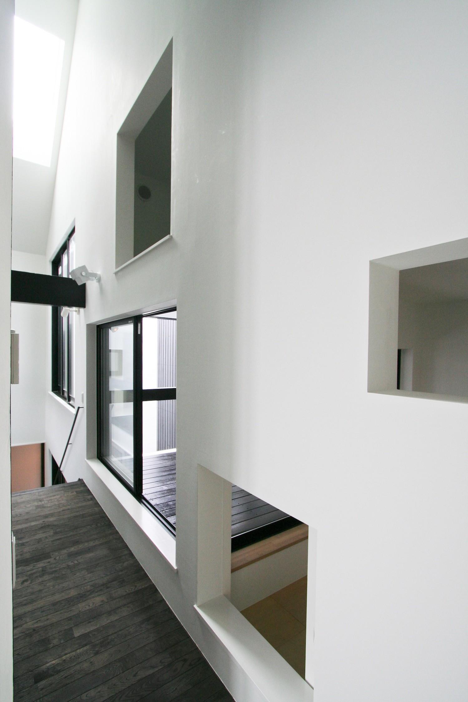 書斎事例:インナーバルコニーと小和室(中庭のある家 OUCHI-04)