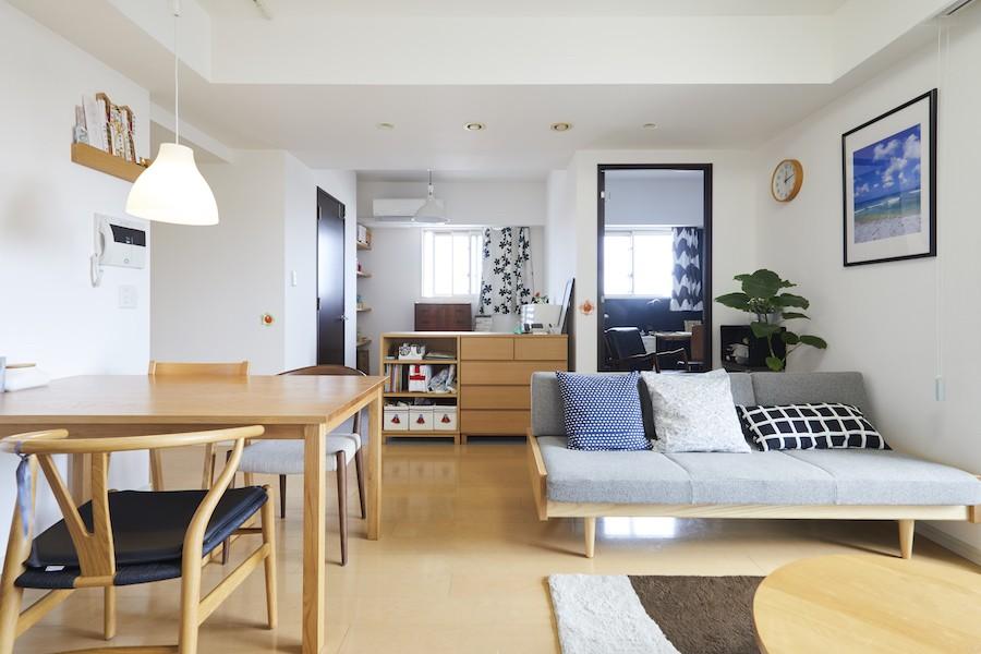 A邸-こだわりの収納と、家族それぞれの空間つくり (リビング)