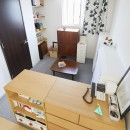A邸-こだわりの収納と、家族それぞれの空間つくりの写真 リビング