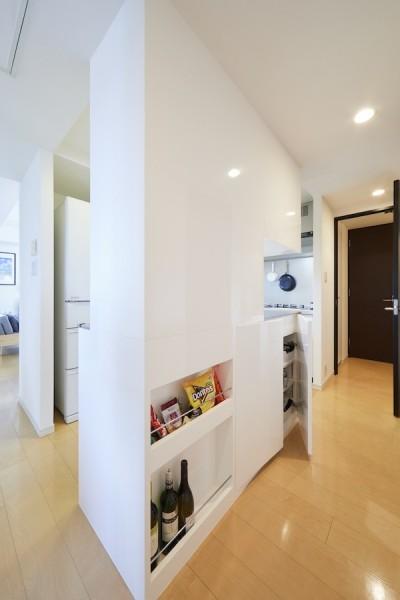 キッチン (A邸-こだわりの収納と、家族それぞれの空間つくり)