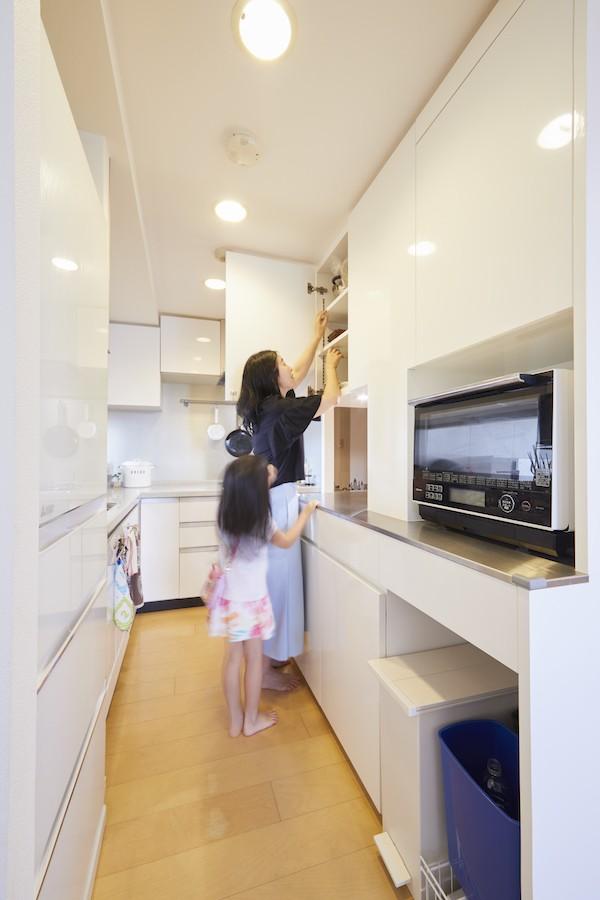 キッチン事例:キッチン(A邸-こだわりの収納と、家族それぞれの空間つくり)