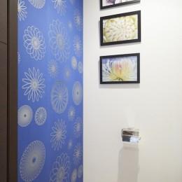 A邸-こだわりの収納と、家族それぞれの空間つくり (トイレ)