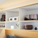 A邸-こだわりの収納と、家族それぞれの空間つくりの写真 造作棚