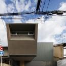 京都の中心でゆったりと時間の流れるプライベートコートを持つ生活空間 : 丸太町の住宅の写真 外観