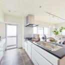 感性豊かなおとな女子がつくる、景色と暮らす家の写真 キッチン