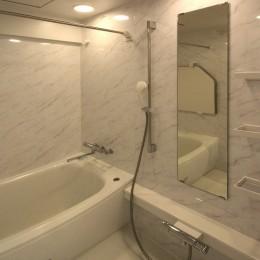 築35年のマンションをセカンドハウスに全面リフォーム (バスルーム)