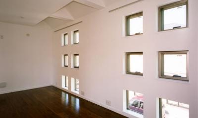 (西東京市)ひばりが丘の木造3階建ての家 (2階の子供室は将来間仕切る予定)