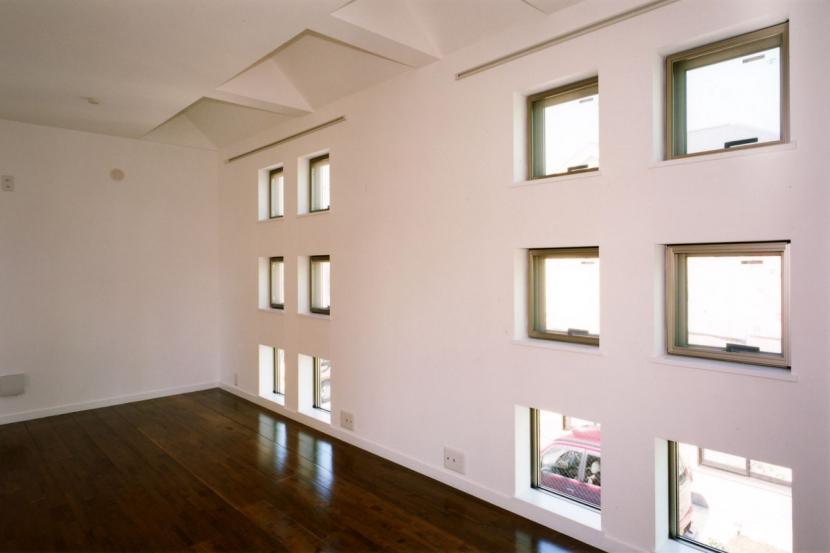 (西東京市)ひばりが丘の木造3階建ての家の写真 2階の子供室は将来間仕切る予定