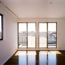 (西東京市)ひばりが丘の木造3階建ての家 (3階の寝室)