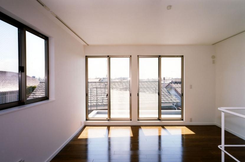 (西東京市)ひばりが丘の木造3階建ての家の写真 3階の寝室
