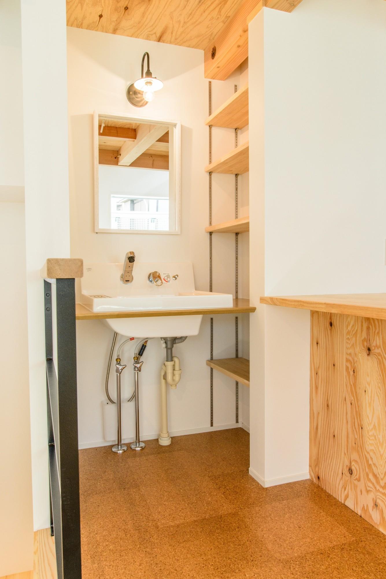 バス/トイレ事例:洗面所(格子壁の住宅)