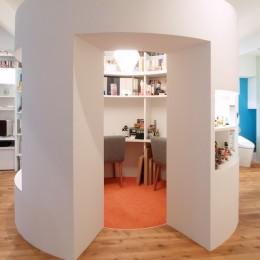 SHAPES-円形の書斎、台形の寝室、そして… (書斎)