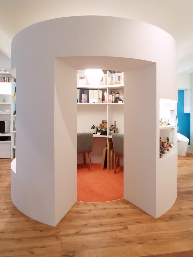 書斎事例:書斎(SHAPES-円形の書斎、台形の寝室、そして…)