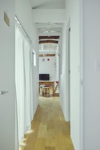 """廊下 (""""ご近所さん""""感覚の二世帯住宅)"""