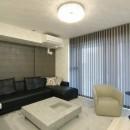新築マンション・オプション工事  壁面収納のデザインの写真 リビング