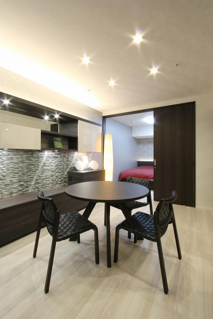 新築マンション・オプション工事  壁面収納のデザイン (ダイニング)