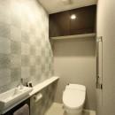 新築マンション・オプション工事  壁面収納のデザインの写真 トイレ
