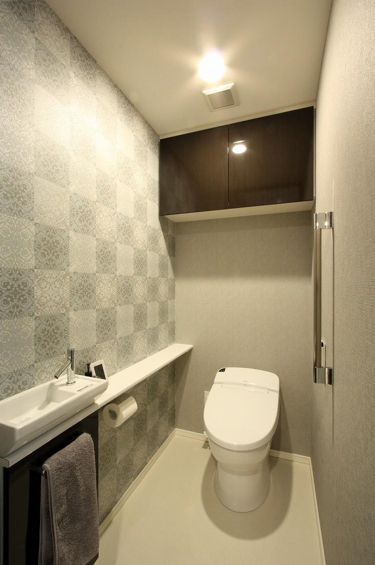 リビングダイニング事例:トイレ(新築マンション・オプション工事  壁面収納のデザイン)