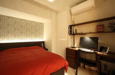 寝室・書斎 (新築マンション・オプション工事  壁面収納のデザイン)