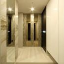 新築マンション・オプション工事  壁面収納のデザインの写真 玄関
