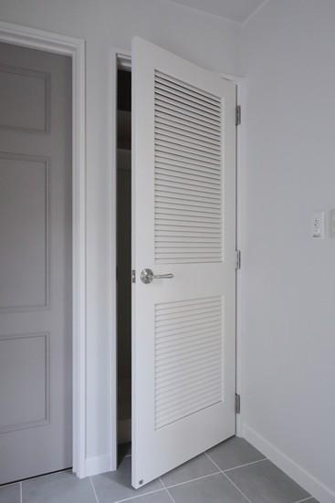 T邸 (造作ドア)
