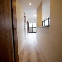 二面採光の部屋 (廊下)