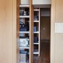 RE : Apartment UNITED ARROWS LTD. MASTER PLAN B ~住む人の個性を演出する上質な設えと機能美を備えたリノベーション~の写真 収納
