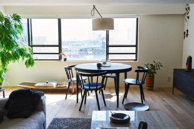 RE : Apartment UNITED ARROWS LTD. CASE002 / PLAN B ~住む人の個性を演出する上質な設えと機能美を備えたリノベーション~ (リビングダイニング)