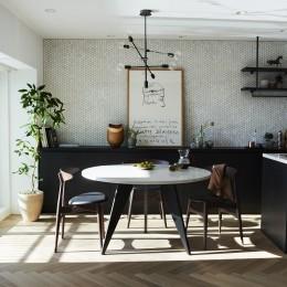 RE : Apartment UNITED ARROWS LTD. MASTER PLAN A ~店舗の技術を取り入れた見せる収納~ (ダイニング)