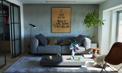 RE : Apartment UNITED ARROWS LTD. CASE001 / PLAN A ~店舗の技術を取り入れた見せる収納~ (光と風が入り込む贅沢なリビング空間)