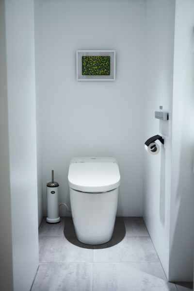 TOTO製洗浄便座付トイレ新規交換 (RE : Apartment UNITED ARROWS LTD. MASTER PLAN A ~店舗の技術を取り入れた見せる収納~)