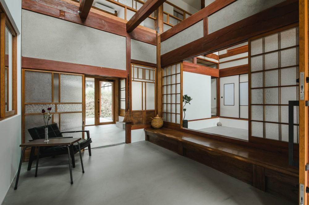 玄関 (古民家カフェみたいな日本家屋リノベーション(下戸山の家リノベーション))