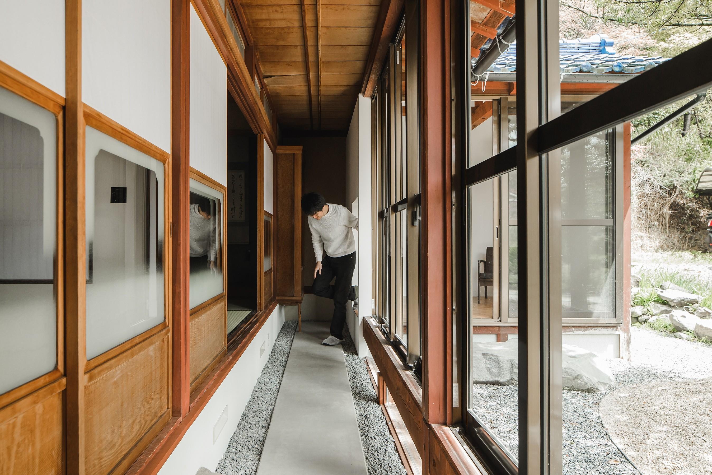 書斎事例:廊下(古民家カフェみたいな日本家屋リノベーション(下戸山の家リノベーション))