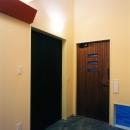 7畳の多目的クローゼットへとつながる玄関のあるホール