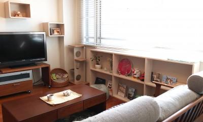 S世田谷 (窓際にも棚を造作し、猫ちゃんが窓の外を楽しめるように。)