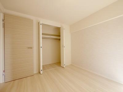 洋室 (築47年を快適な居住空間に)